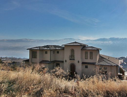 Tuscan Luxury - 3 Bdrm w/Pool HT - West Kelowna