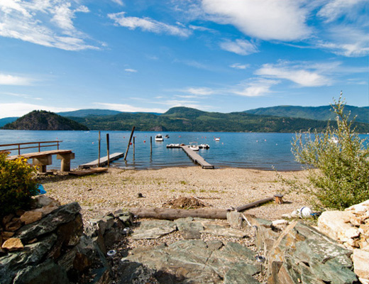 Carmel Cove Resort #14 - 3 Bdrm Lake View - Shuswap