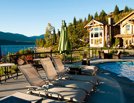 Carmel Cove Resort #16 - 3 Bdrm Lake View - Shuswap