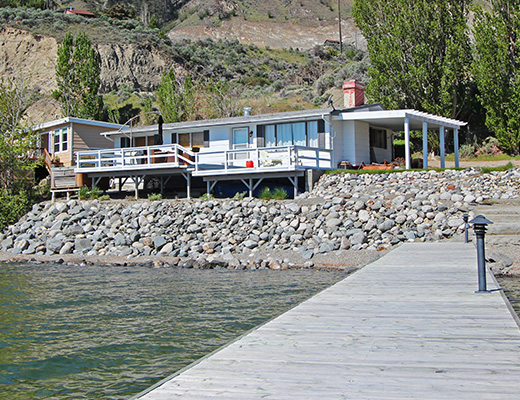 Summerland Beach House - 2 Bdrm HT w/Dock - Summerland