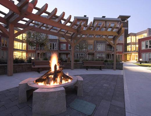 The Strand Lakeside Resort - 2 Bdrm Newport Townhome #1111 - Vernon