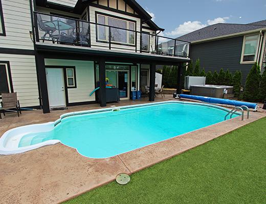 Summer Escape - 5 Bdrm w/ Pool HT - Kelowna