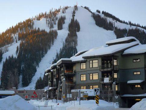 Slalom Creek - 2 Bdrm + Loft HT - Red Mountain