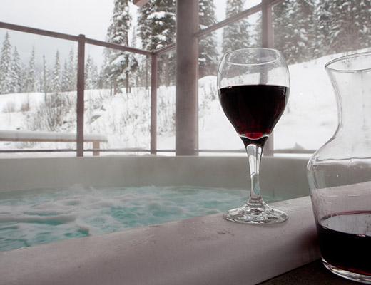 Nancy Greene's Cahilty Lodge - Deluxe Loft - Sun Peaks