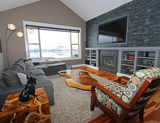 Okanagan Lake View - 4 Bdrm HT - Vernon