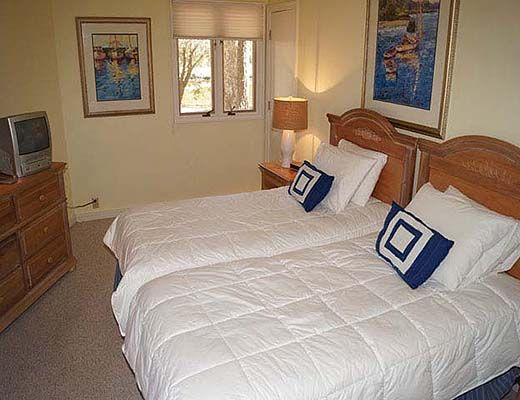 48 Woodbine Road - 3 Bdrm w/Pool - Hilton Head