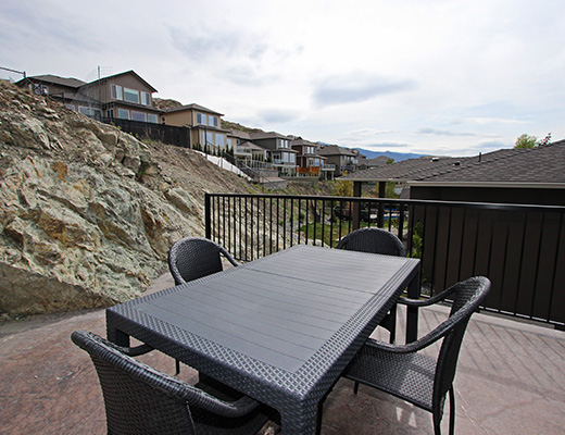Modern Escape - 3 Bdrm w/ Pool - Kelowna