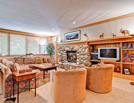 Highlands Lodge #203 - 3 Bdrm (3.5 Star) - Beaver Creek