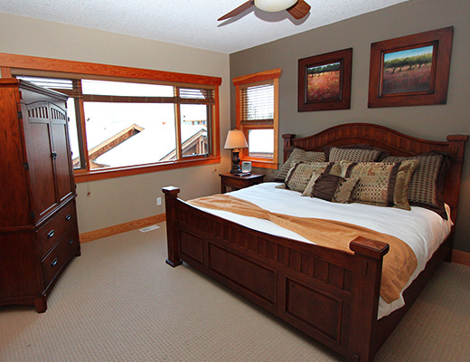 Carmel Cove Resort #17 - 3 Bdrm Lake View - Shuswap