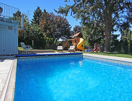 Summer Solstice - 4 Bdrm w/ Pool - Kelowna