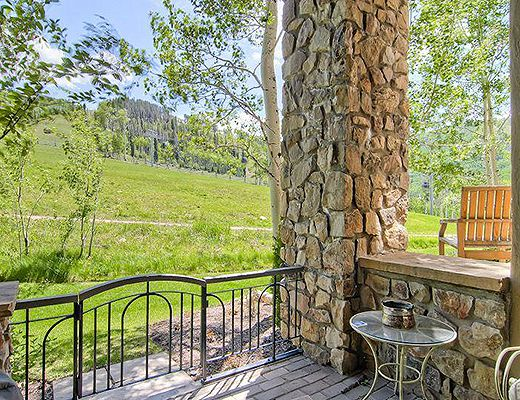 Highlands Slopeside #214 - 3 Bdrm (3.5 Star + Ski Access) - Beaver Creek