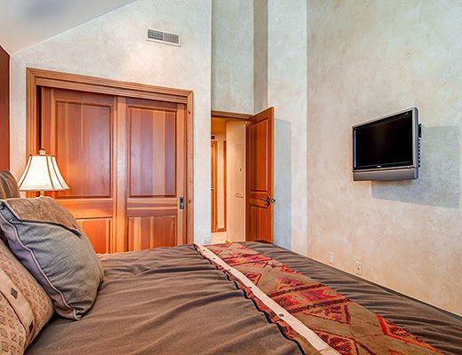 Lift Lodge #301 - 2 Bdrm - Park City (PL)