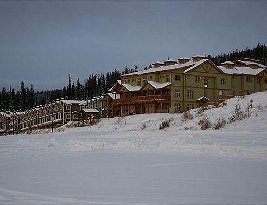 Snowfall Lodge 2 - 3 Bdrm + Den HT - Big White