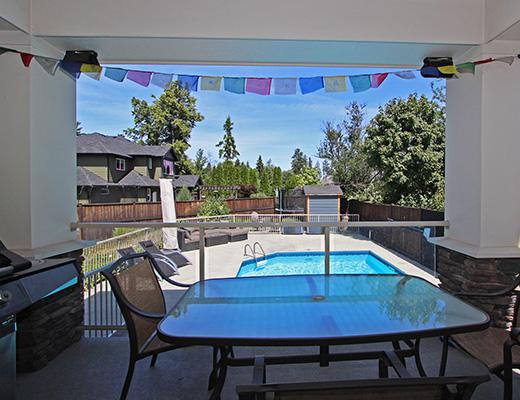 Sovereign Estate - 5 Bdrm w/ Pool - Kelowna