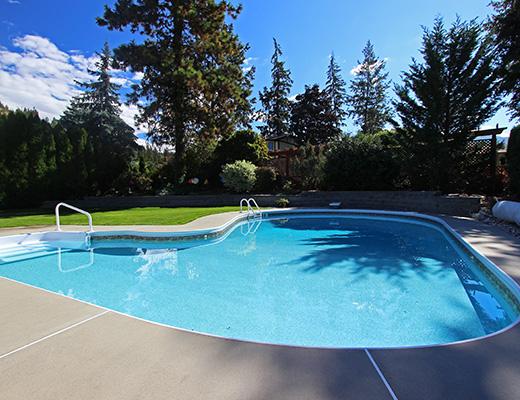Sundowner - 4 Bdrm w/ Pool HT - Kelowna (CVH)