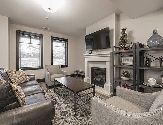 Blackstone #10 - 3 Bdrm HT - The Canyons (CL)