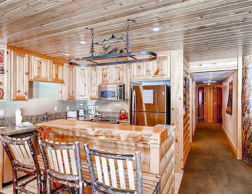 Black Bear Lodge #104 - 2 Bdrm HT Gold - Deer Valley