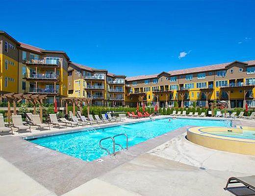 Barona Beach Lakefront Resort #6303 - 3 Bdrm w/ Boat Lift - West Kelowna
