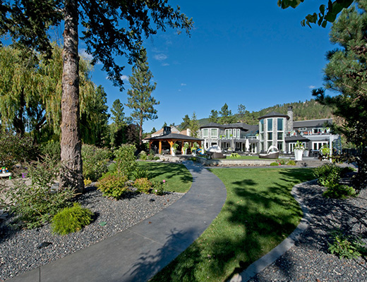 Platinum Estate - 10 Bdrm HT - Kelowna