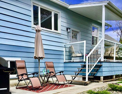 Cozy Beach Retreat - 2 Bdrm - Kelowna