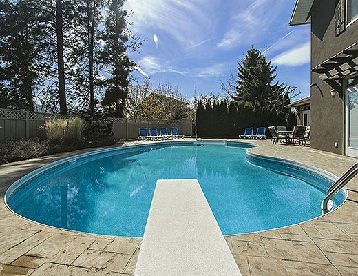 Okanagan Breeze - 5 Bdrm w/ Pool HT - Kelowna (CVH)