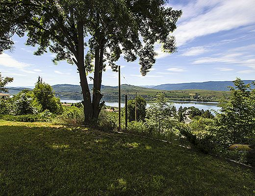Country Pool Home - 3 Bdrm w/ Pool - Vernon