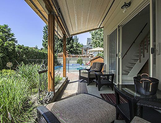 Downtown Pool Home - 4 Bdrm + 1 Bdrm Guest House w/ Pool - Kelowna