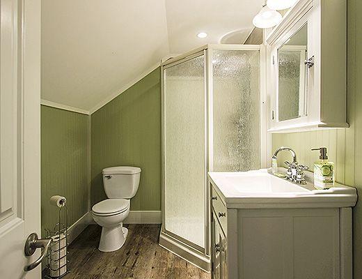 Lawrence Manor - 1 Bdrm Guildford Green Room - Kelowna