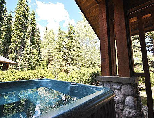 Fairway Cabin #3 - 3 Bdrm + Loft HT - Sun Peaks (TM)