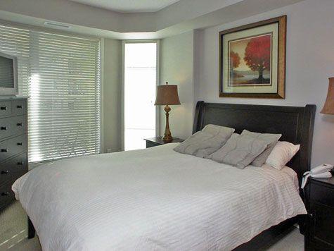 Sunset Waterfront Resort - #603 - 1 Bdrm + Den - Kelowna (KRA)