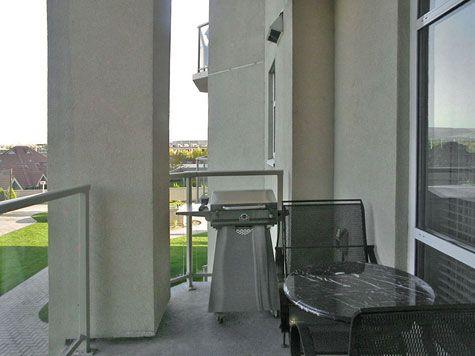 Sunset Waterfront Resort - #404 - 2 Bdrm - Kelowna (KRA)