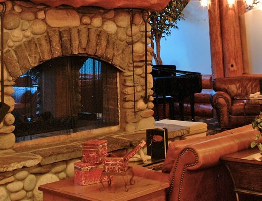 Lizard Creek Lodge - 2 Bdrm + Loft - Fernie