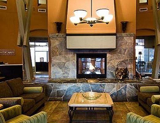Manteo Resort - Deluxe Guestroom - Mountainside - Kelowna